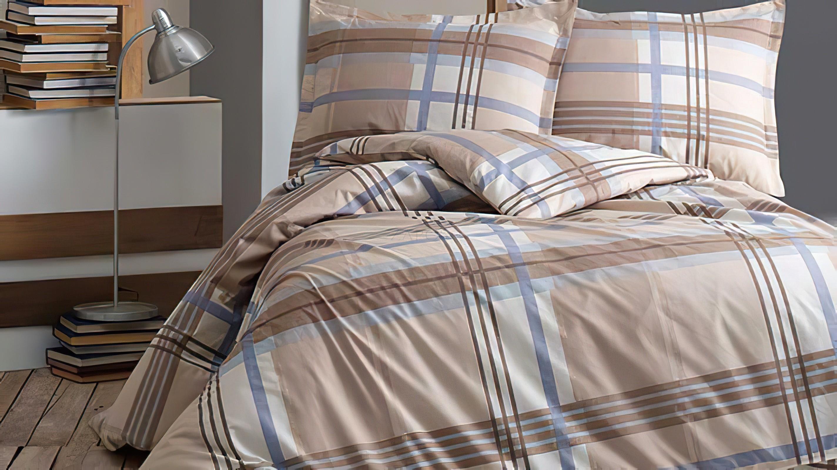 Lenjerie pat 2 persoane BUMBAC RANFORCE - 4 piese -Crem, model in carouri cu albastru si maro