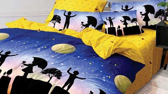 Lenjerie pat 2 persoane BUMBAC FINET - 6 piese - Bleumarin, model oras pe timp de noapte si imprimeu interior galben