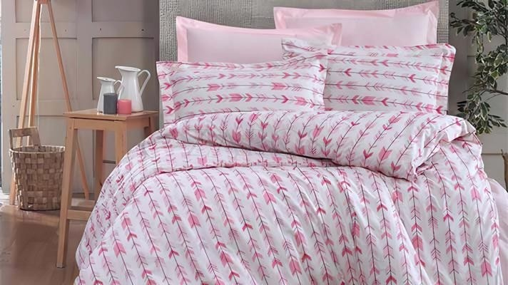 Lenjerie pat 2 persoane BUMBAC RANFORCE - 4 piese - Alb, model 2 fete sageti roz