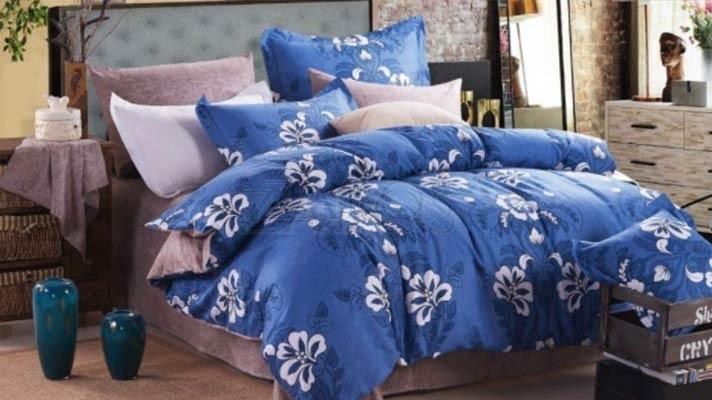 Lenjerie pat 2 persoane 100% BUMBAC - 4 piese - Albastru, imprimeu flori mari albe
