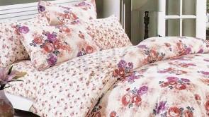 Lenjerie pat 2 persoane 60% BUMBAC - 4 piese - Roz pal, model 2 fete buchete de flori mari si mici