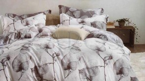 Lenjerie pat 2 persoane 60% BUMBAC - 4 piese - Alb, model 2 fete frunze conturate cu gri