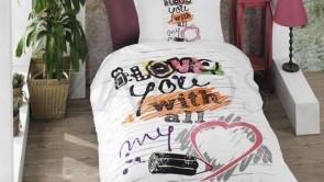 Lenjerie pat 1 persoana BUMBAC RANFORCE - 3 piese -  Alb, model text grafic colorat de iubire