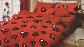 Lenjerie pat 2 persoane BUMBAC FINET - 6 piese - Rosu, model inimi negre