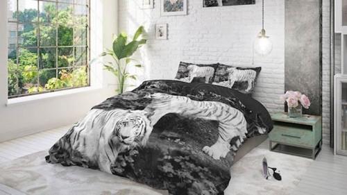 Lenjerie pat 2 persoane BUMBAC - 3 piese - Negru, model familie de tigri albi-200 x 220
