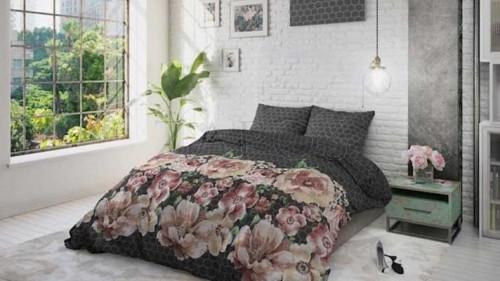 Lenjerie pat 2 persoane BUMBAC - 3 piese - Negru, model flori colorate-200 x 220